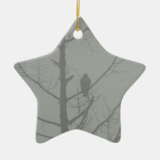 Falke im Nebel Keramik Ornament