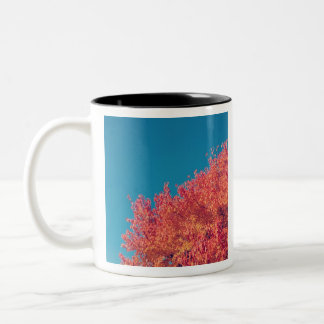 Fall-Baum-Tasse Zweifarbige Tasse