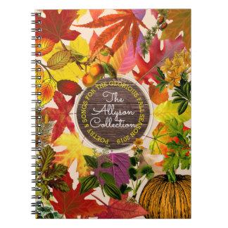 Fall-Herbst verlässt Collagen-Monogramm Vintages Spiral Notizblock