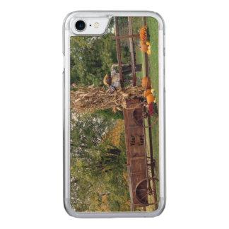 Fall-Szenen-aus alter Zeit Bauernhof-Wagen, Carved iPhone 8/7 Hülle