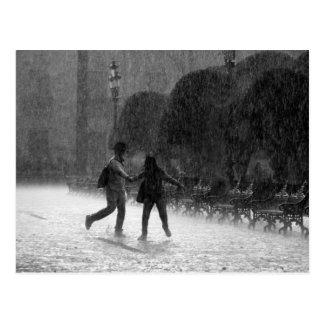 Fallender Regen Postkarte
