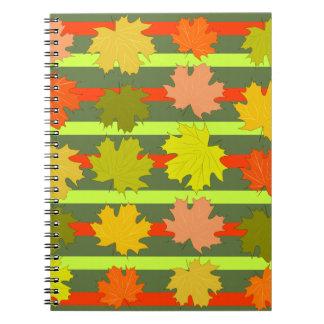 Fallendes Blätter im Herbst Notizblock