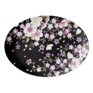 Falln, das rosa Blumen kaskadiert Porzellan Servierplatte