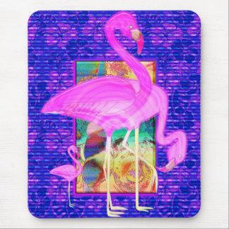 Familie der rosa Flamingo-Muscheln und der Mauspad