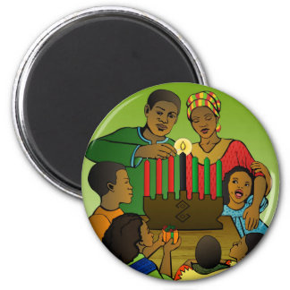 Familie, die Kwanzaa feiert Runder Magnet 5,1 Cm