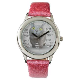 Familien-Haustier-Schablone Uhr