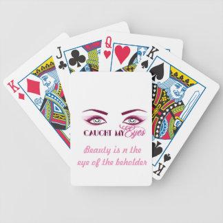 Fangen Ihrer Augen mit diesen Spielkarten