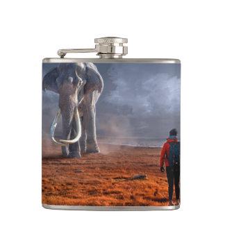 Fantasie-Elefant und Mann Flachmann