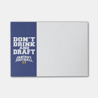 Fantasie-Fußball trinken nicht und zeichnen - Post-it Klebezettel