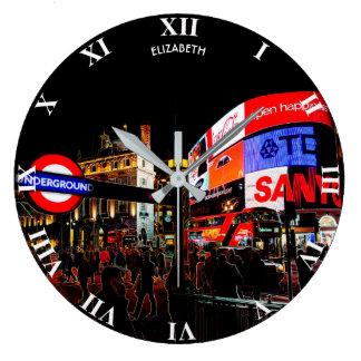 Fantasie glühendes Piccadilly in London nachts Große Wanduhr