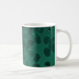 Fantasie-Kiesel in dunkelgrünem Kaffeetasse