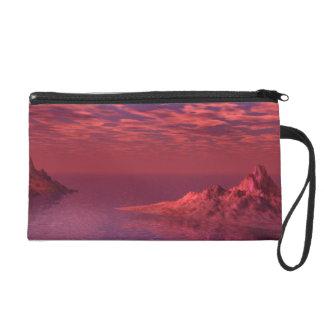 Fantasie-Landschaft - Sonnenaufgang und Berge Wristlet