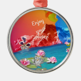 Fantastische Plätze erwarten Sie auf Ihrer Reise Rundes Silberfarbenes Ornament