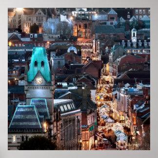 Fantastische Stadtansicht nachts Poster