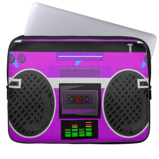 Fantastischer lila illustrierter 80er Boombox Laptop Sleeve
