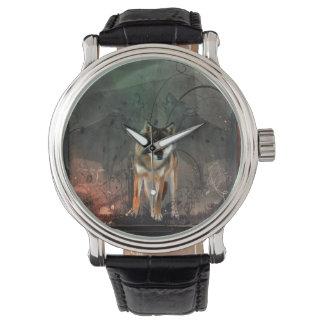 Fantastischer Wolf auf Vintagem Hintergrund Armbanduhr
