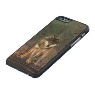 Fantastischer Wolf auf Vintagem Hintergrund Carved® iPhone 6 Hülle Ahorn