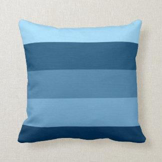 Färben Sie Blau-Ton-Retro Streifen Zierkissen