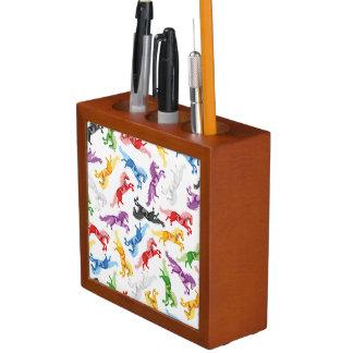 Farbige Muster-springende Pferde Stifthalter
