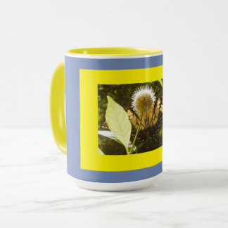 Farbperfekte Entwürfe an der Farbe vervollkommnen Tasse