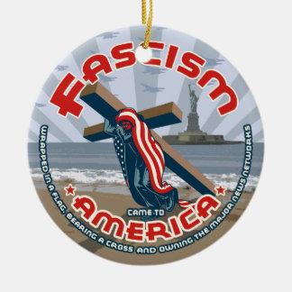Faschismus kam eingewickelt keramik ornament