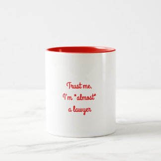 Fast eine Rechtsanwalt-Tasse Zweifarbige Tasse