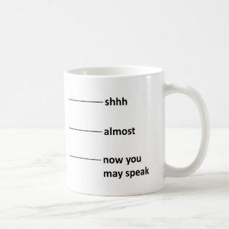 Fast jetzt können Sie Kaffee-Messbecher sprechen Kaffeetasse