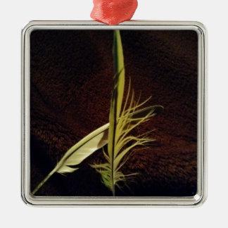 Federn der Liebe Quadratisches Silberfarbenes Ornament