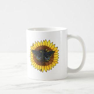 Feenhafter Drache auf Sonnenblume Kaffeetasse