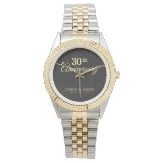 Feiern des 30. Jahrestages. Kundengerecht Uhr