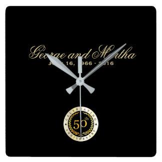 Feiern des 50. Jahrestages. Kundengerecht Wanduhr