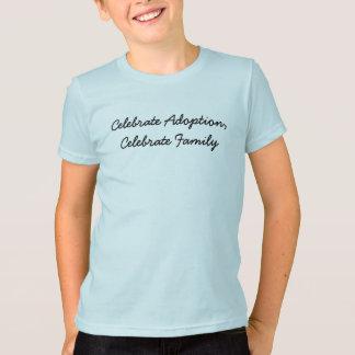 Feiern Sie Adoption, feiern Sie Familie T-Shirt