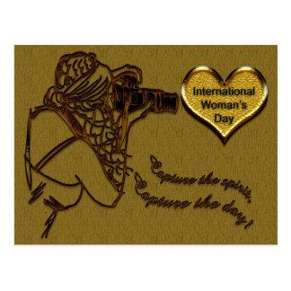Feiern Sie - den Tag der internationalen Frau Postkarte