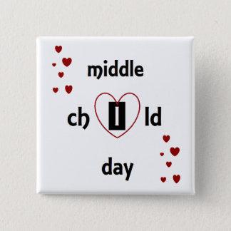 Feiern Sie mittleren Kindertag mit einem Abzeichen Quadratischer Button 5,1 Cm