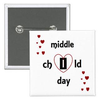 Feiern Sie mittleren Kindertag! mit einem Quadratischer Button 5,1 Cm