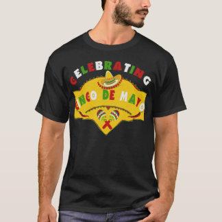 Feiern von Cinco De Mayo Sombrero Maracas T - T-Shirt