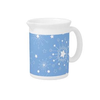 Feiertags-Schneeflocken auf Blau Getränke Pitcher