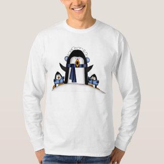 Feiertags-T - Shirt der Weihnachtspenguin-Männer