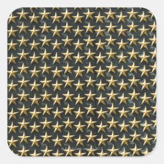 Feld der Goldsterne am Weltkrieg-Denkmal Quadrat-Aufkleber