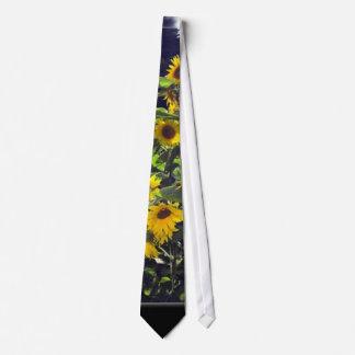 Feld der Sonnenblumen in der Blüte Personalisierte Krawatte