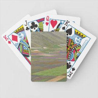 Felder in den Sibellini Bergen in Italien Bicycle Spielkarten