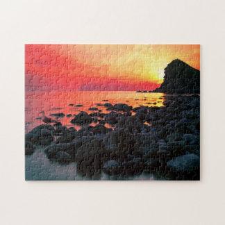 Felsiger Küstensonnenuntergang 11x14 Puzzle