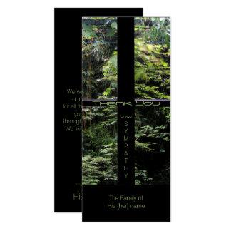 Fenster-Kreuz auf Natur-Garten-Beileid danken Karte