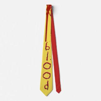 Fertigen Sie blutigen Bluttext besonders an Krawatte