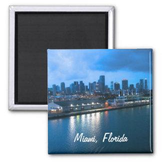 Fertigen Sie Hafen von Miami-Foto besonders an Quadratischer Magnet