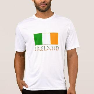 Fertigen Sie Ihre Namensflagge von Irland T-Shirt