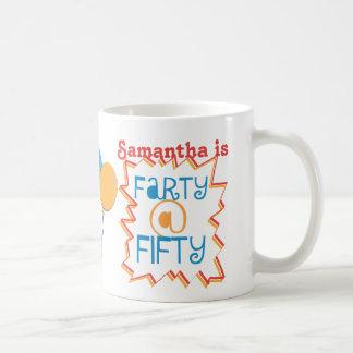 Fertigen Sie lustige Farty fünfzig 50. Kaffeetasse