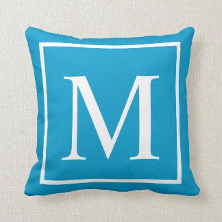Fertigen Sie Monogramm Türkisblau besonders an Zierkissen