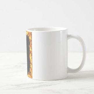 Feuer und schwarzer Hintergrund Entwurf Kaffeetasse