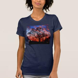 FEUER-UND WASSER-BAUM-HIMMEL-SHIRT T-Shirt
